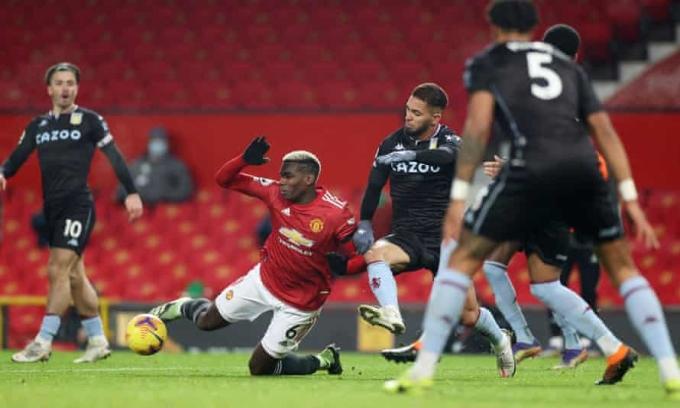 Pogba mang về cho Man Utd quả penalty thứ 27 dưới triều đại Ole Solskjaer. Ảnh: Goal.