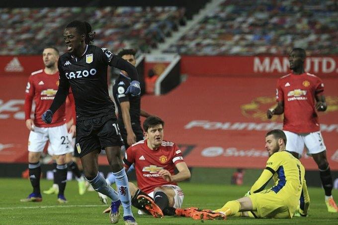 Traore (trái) có bàn thứ ba trong bốn trận gần nhất cho Aston Villa. Ảnh: AP.