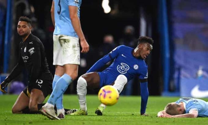 Bàn thắng muộn màng của Hudson-Odoi chỉ giúp Chelsea gỡ lại phần nào danh dự. Ảnh: PA.