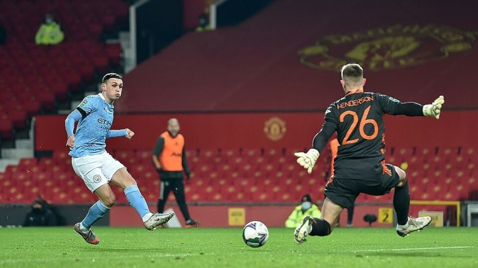 Nửa đầu hiệp một, Man City có hai lần không được công nhận bàn thắng do lỗi việt vị. Ảnh: PA.