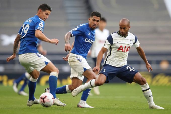 Mùa này, khi Son, Kane mờ nhạt, những mắt xích tấn công khác như Moura cũng im tiếng, Tottenham đều nhận thất bại. Ảnh: Reuters