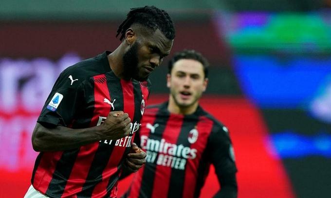 Kessie mừng bàn nhân đôi lợi thế cho Milan. Ảnh: Lapresse