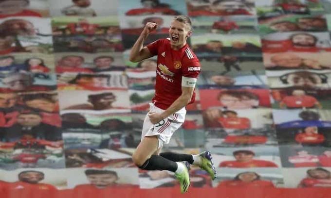 McTominay giúp Man Utd chiến thắng trong trận đấu được mang băng thủ quân. Ảnh: PA.