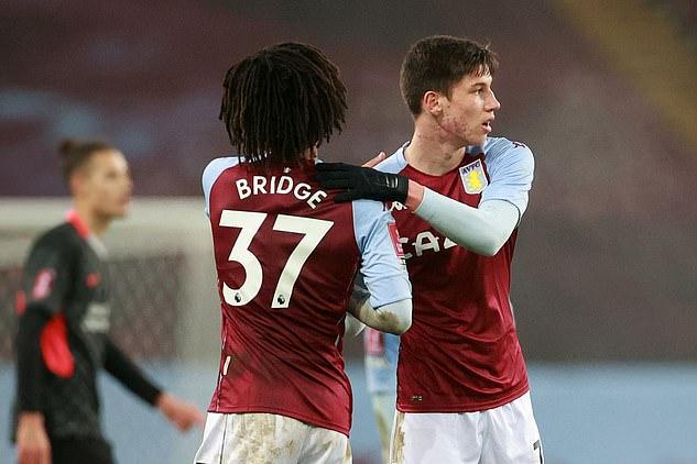 Aston Villa dùng cầu thủ trẻ đấu FA Cup với Liverpool hôm 8/1. Ảnh: Reuters.