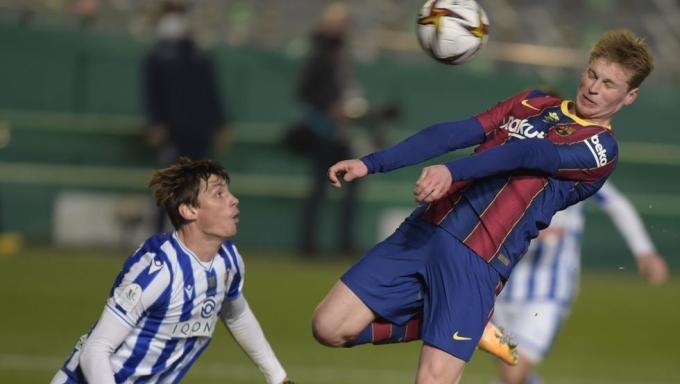 De Jong đưa Barca vượt lên.