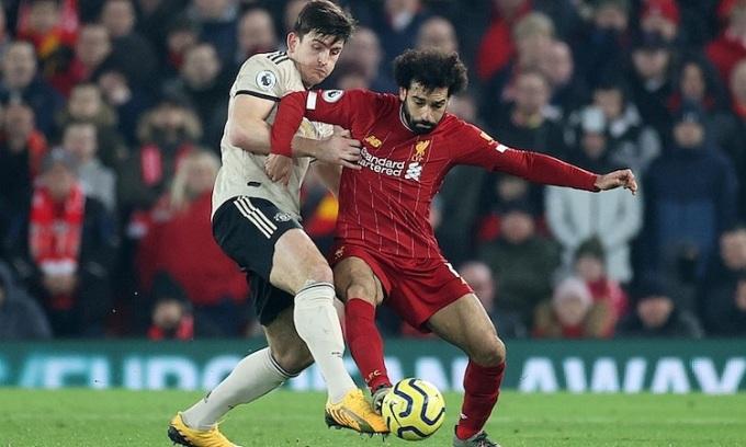 Berbatov cho rằng Man Utd đủ sức giành ba điểm trên sân Anfield. Ảnh: Reuters.