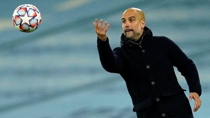 Guardiola, từ khi về Man City, không còn cứng nhắc với tư tưởng bóng đá La Masia theo ông từ đầu sự nghiệp. Ảnh: AP
