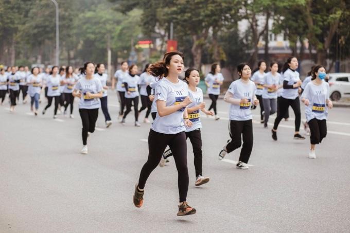 Giải chạy thanh thiếu niên S-Race với sự tham gia của đông đảo học sinh sinh viên.
