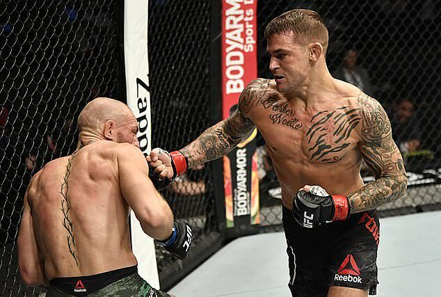 McGregor (trái) thua knock-out ở hiệp hai. Ảnh: Zuffa LLC.