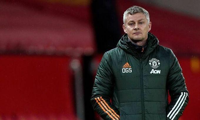 Solskjaer ngao ngán khi Man Utd bất ngờ thua đội bét bảng. Ảnh: Reuters