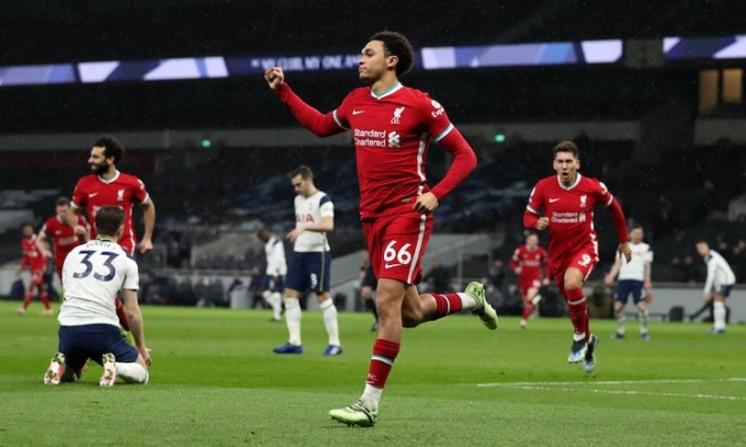 Alexander-Arnold góp một bàn, một kiến tạo trong chiến thắng của đội nhà. Ảnh: Guardian.