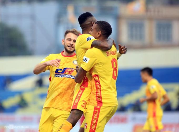 Thanh Hoá lần đầu tiên ghi bàn ở V-League 2021 và có chiến thắng đầu tay.