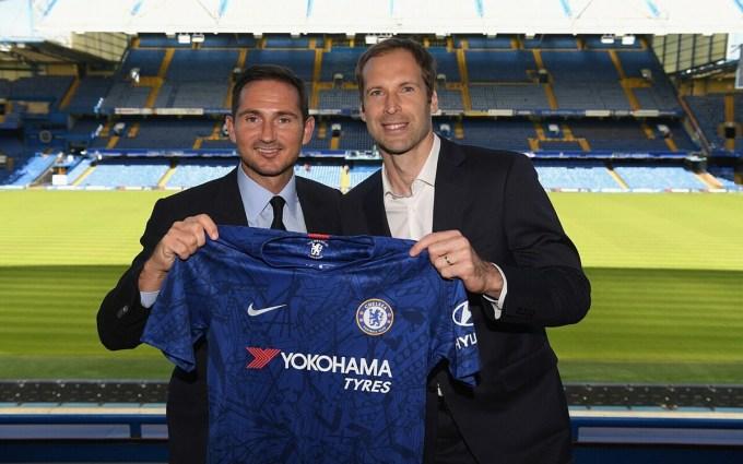 Cech và Lampard từng rất thân thiết khi HLV người Anh mới được bổ nhiệm dẫn dắt Chelsea. Ảnh: Chelsea FC