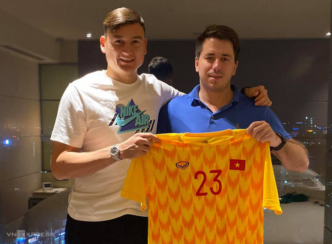 Đặng Văn Lâm uỷ quyền toàn bộ cho người đại diện Grushin Andrey trong thương vụ chuyển tới Nhật Bản thi đấu.