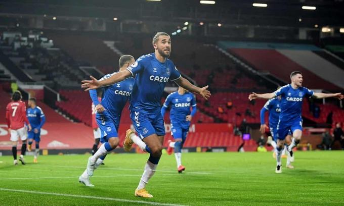 Calvert-Lewin giúp Everton đòi món nợ thua Man Utd ở giai đoạn một. Ảnh: Reuters