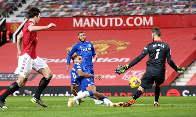 Calvert-Lewin ghi bàn giúp Everton kiếm một điểm từ Man Utd. Ảnh: PA