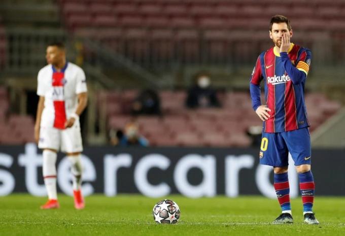 Bàn mở tỷ số từ phạt đền của Messi hôm qua không đủ giúp Barca tránh khỏi thảm bại dưới tay PSG. Ảnh: EFE