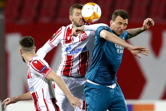 Mandzukic và đồng đội không thể bảo toàn được lợi thế cho Milan ở cuối trận đấu. Ảnh: EPA