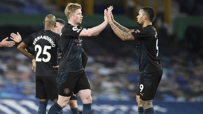 Leicester vượt mặt Man Utd Man-city-2103-1613906684