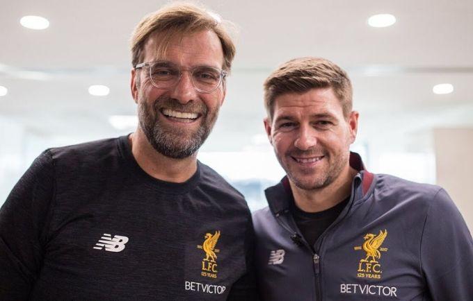 Klopp và Gerrard hội ngộ dịp kỷ niệm 125 năm Liverpool ra đời. Ảnh: LFC