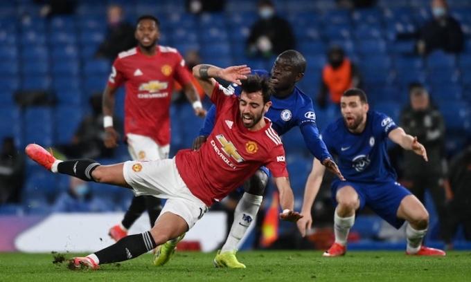 Không có bàn thắng nào được ghi tại Stamford Bridge, bất chấp nỗ lực tấn công của hai đội. Ảnh: AFP.