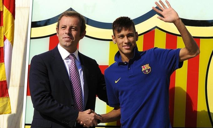 Rosell phải từ chức vì biển thủ tiền trong vụ chuyển nhượng Neymar. Ảnh: AFP