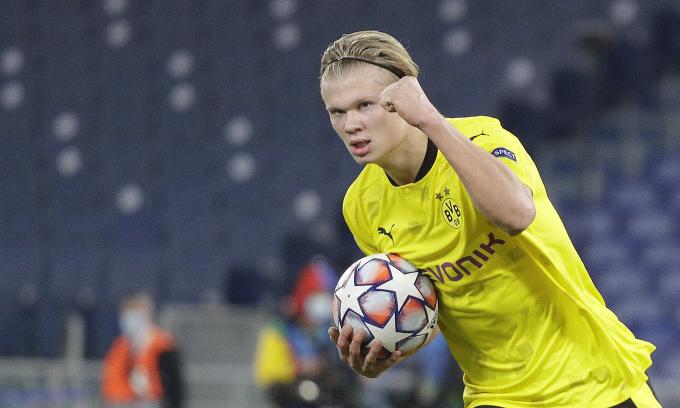 Haaland được dự báo sẽ không gắn bó lâu dài với Dortmund, mà chỉ xem đây là bước đệm để tìm đến một đội bóng lớn hơn trong tương lai gần. Ảnh: AP