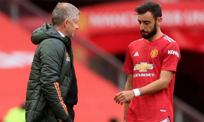 Fernandes bị cho là thất vọng khi Solskjaer tiết lộ Man Utd sẽ không chi mạnh ở kỳ chuyển nhượng tới. Ảnh: Reuters.