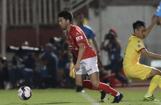 Xác định Lee Nguyễn là ngòi nổ quan trọng nhất, Sài Gòn FC cho biết, đã có cách hoá giải cầu thủ này. Ảnh: Đức Đồng.