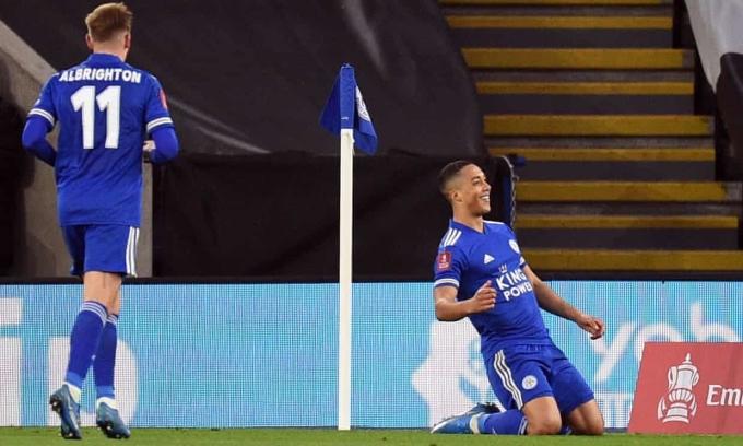 Tielemans đang có một mùa giải thăng hoa cùng Leicester. Ảnh: Reuters.