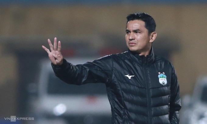 Kiatisuk đang mang lại làn gió mát cho HAGL, với ba chiến thắng, một hoà qua năm vòng đầu V-League 2021. Ảnh: Lâm Thoả