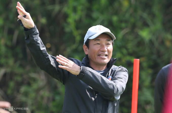 Ông Masahiro toàn thua trong cả ba trận nắm quyền ở Sài Gòn FC. Ảnh: Đức Đồng
