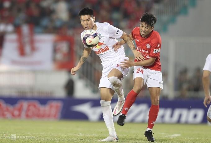 TP HCM hôm 28/3 chỉ có đúng một cơ hội trước HAGL, nhưng Lee Nguyễn không tận dụng thành công. Ảnh: Đức Đồng