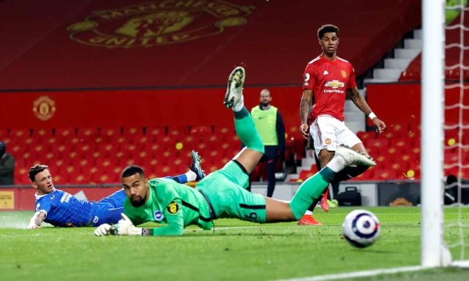 Bàn gỡ 1-1 của Rashford trên sân Old Trafford hôm 4/4. Đây mới là bàn thứ 10 tiền đạo này ghi tại Ngoại hạng Anh từ đầu mùa. Ảnh: PA
