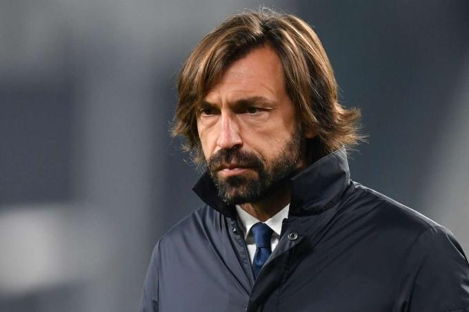 Pirlo và Juventus đang đứng thứ tư Serie A, còn rất ít hy vọng bảo vệ chức vô địch. Ảnh: Reuters.
