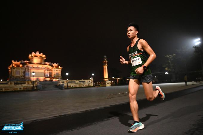 Luyện tập chạy bộ đều đặn mỗi ngày cho runner một nền tảng thể lực bền bỉ và dẻo dai. Ảnh: VnExpress Marathon.