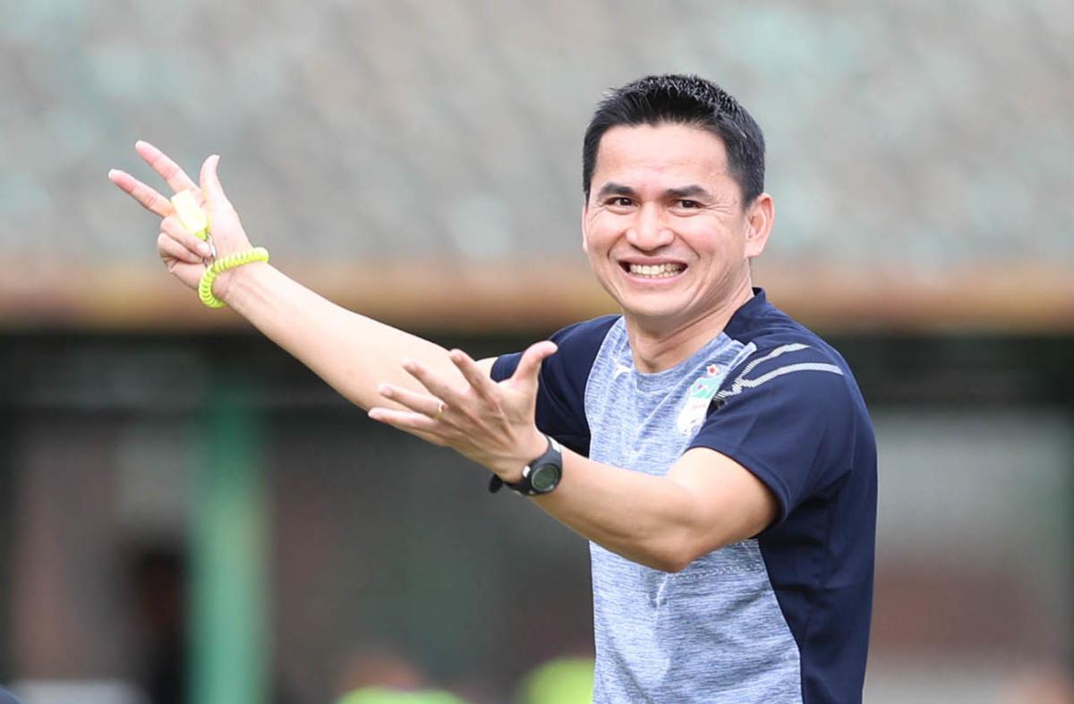 Kiatisuk thừa nhận may mắn trước Nam Định