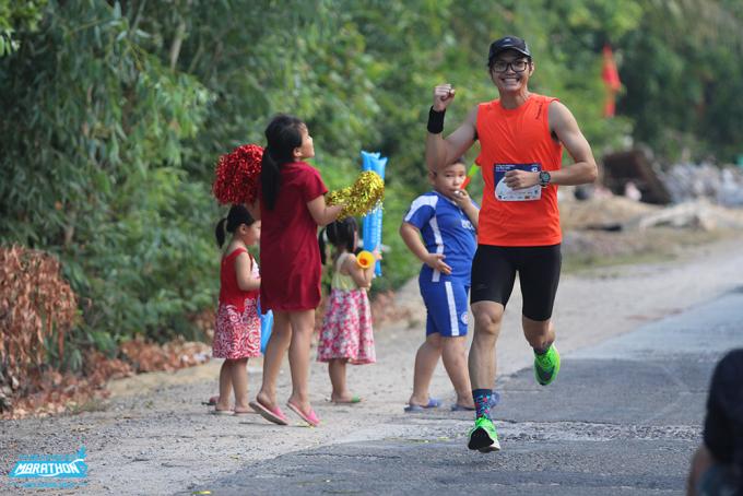 Runner trên đường chạy VM Quy Nhơn 2020. Ảnh: VnExpress Marathon.