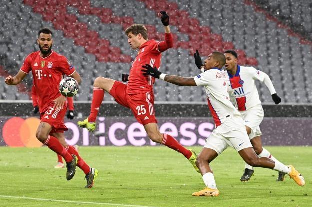 Bayern dứt điểm 31 lần nhưng chỉ ghi được hai bàn vào lưới PSG ở lượt đi tứ kết trên sân Allianz hôm 7/4. Ảnh: LÉquipe