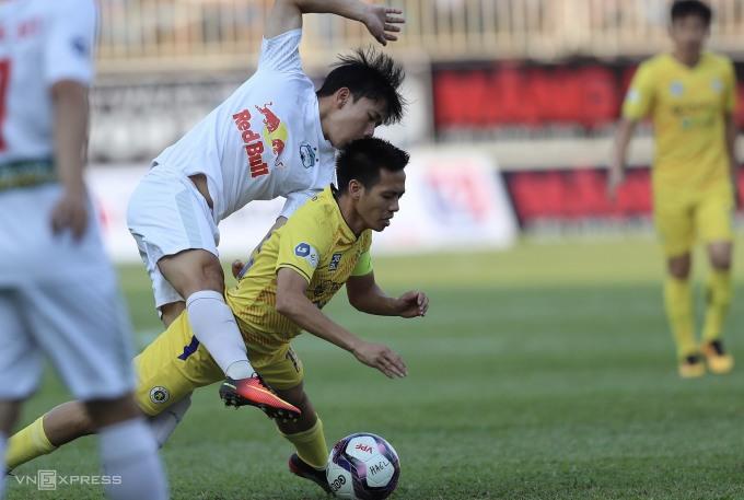 Đè được Hà Nội FC tại Pleiku, HAGL khiến cuộc đua vô địch chỉ còn là chuyện riêng giữa họ với Viettel. Ảnh: Đức Đồng