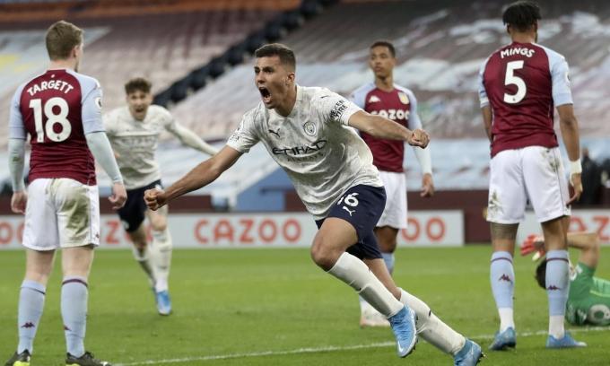 Rodrigo ghi bàn quyết định cho Man City. Ảnh: Reuters