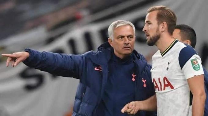 Harry Kane là cầu thủ hiếm hoi tri ân Mourinho trên mạng xã hội, sau khi ông bị sa thải. Ảnh: Reuters
