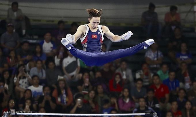 Đinh Phương Thành tại nội dung thi xà đơn ở SEA Games 2019, nơi anh đoạt HC bạc. Ảnh: Đức Đồng