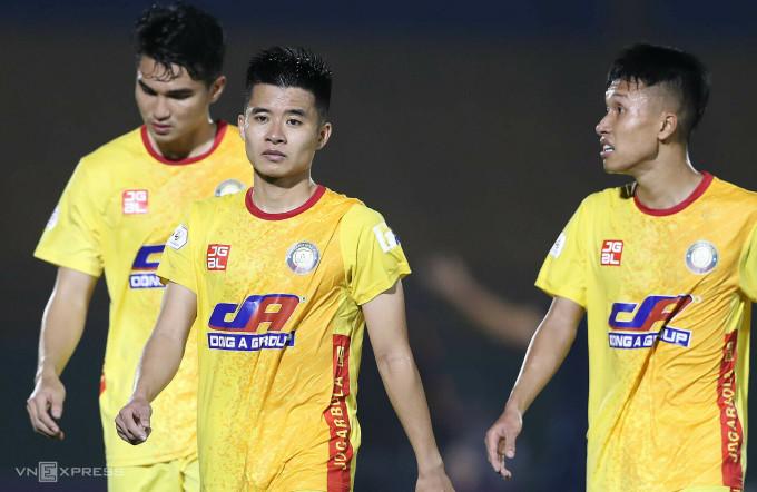 Sớm chia tay Cup Quốc gia là cơ hội để Thanh Hoá tập trung cho mục tiêu tốp sáu ở V-League. Ảnh: Đức Đồng.
