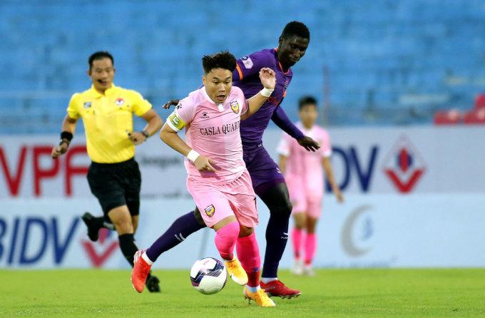 Đội trưởng Hà Tĩnh, Trần Phi Sơn cũng ghi một bàn ở trận thắng Bình Dương. Ảnh: Xuân Thủy