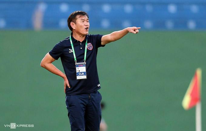 HLV Phan Thanh Hùng được nhiều đội bóng ở V-League săn đón.