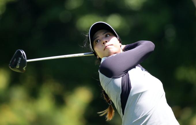 Patty Tavatanakit dõi theo cú phát bóng ở vòng hai Honda LPGA Thailand hôm thứ Sáu. Ảnh: Bangkok Post
