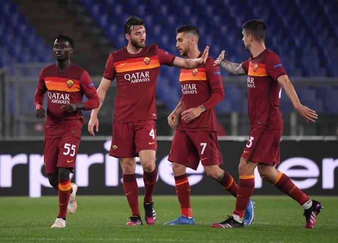 Roma có thời điểm nhen nhóm cơ hội ngược dòng, nhưng họ phung phí cơ hội. Ảnh: Reuters