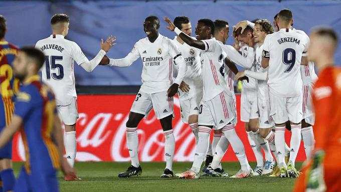 Cầu thủ Real mừng bàn thắng trong trận El Clasico hạ Barca 2-1 ở vòng 30 hôm 10/4. Ảnh: Marca