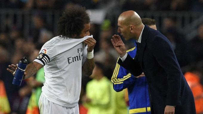 Zidane không ngại thiết quân luật với Marcelo - một trong những công thần của ông ở Real Madrid. Ảnh: AFP